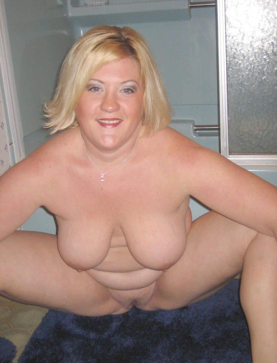 Thick amateur mature nude