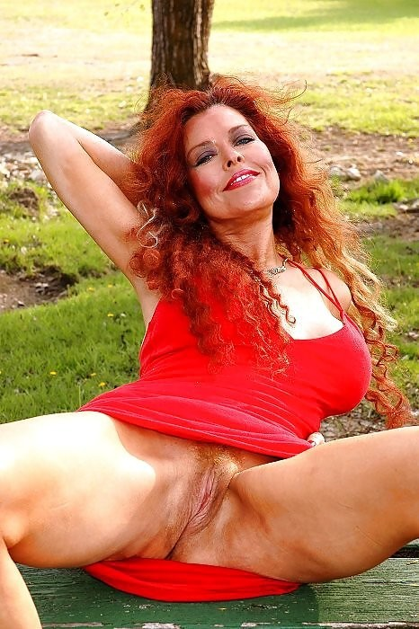 Mature ginger pussy