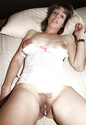 Mature trimmed pussy