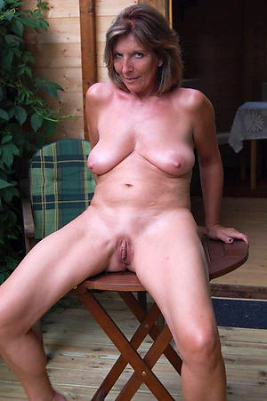 Real mature wife porn pictures